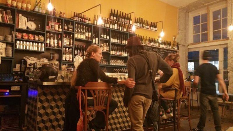 Men and women at the bar at Odessa Comptoir, Lyon