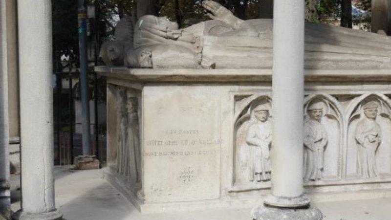 Abelard and Heloise Memorial