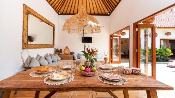 dining table at villa makasih
